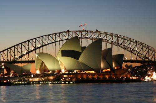 Sydney-Opera-House-and-harbour-bridge