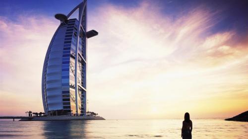 burj al arab dubai silhouette girl 59056 1366x768